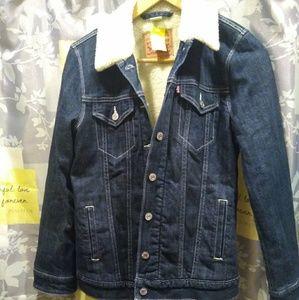 New !!!! Levi sherpa ljean jacket